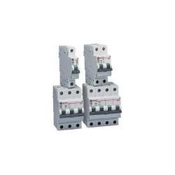 DESTOCKAGE de disjoncteurs à fixer sur rails DIN. STOCK limité